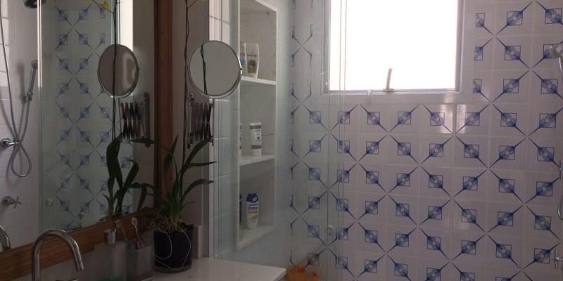 Banheiro com azulejo Leque