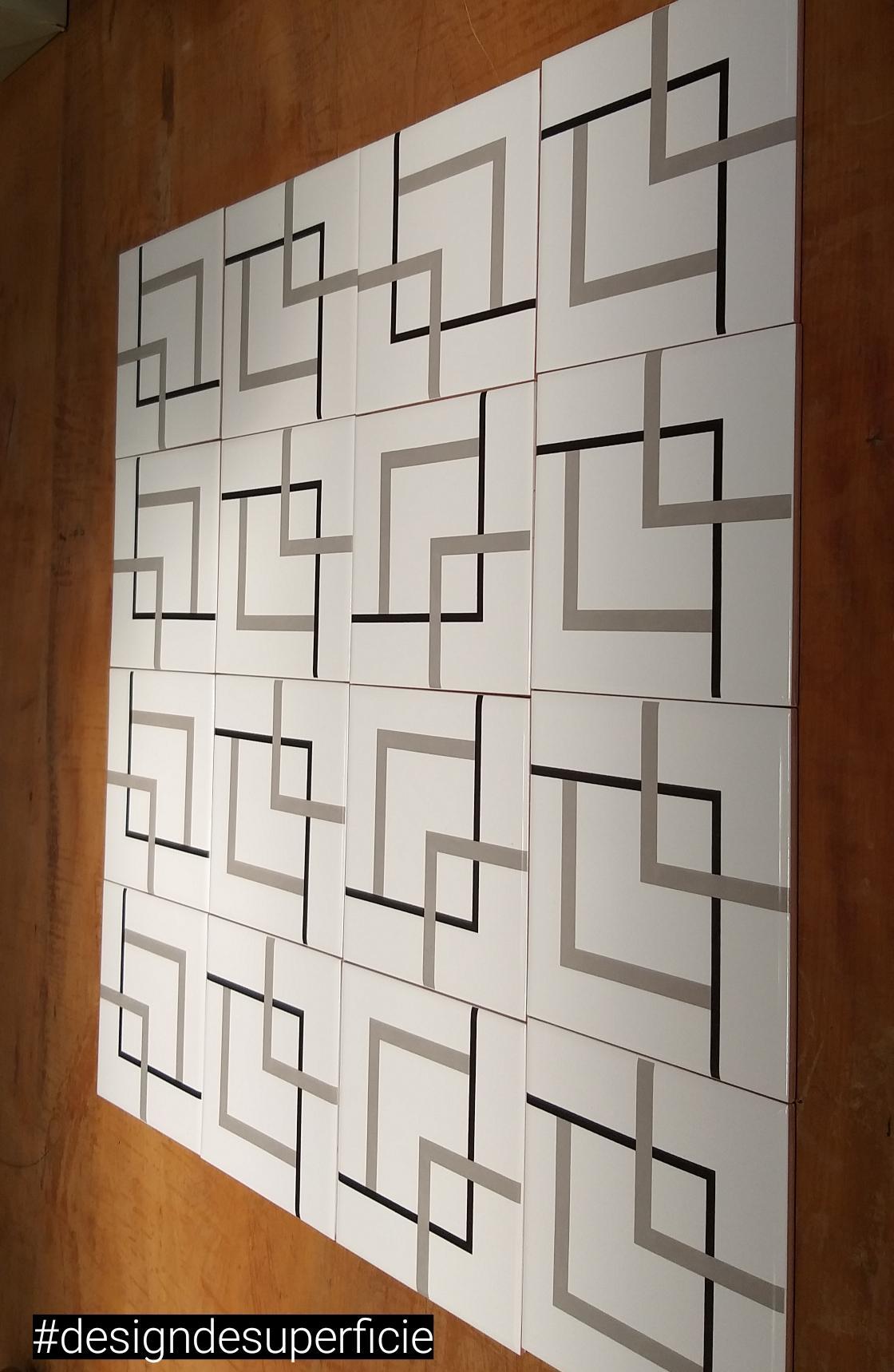 Montagens com Azulejos Trio