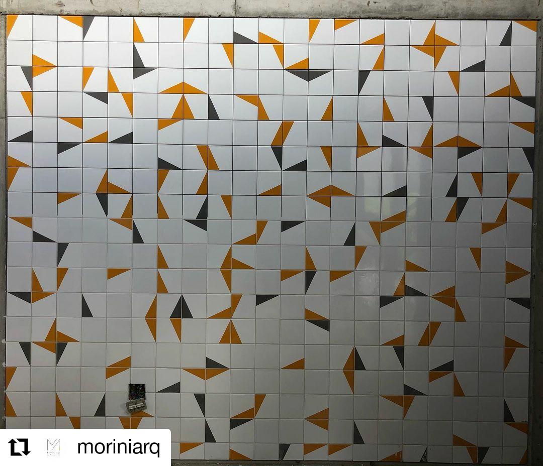 Painel com azulejos GEO