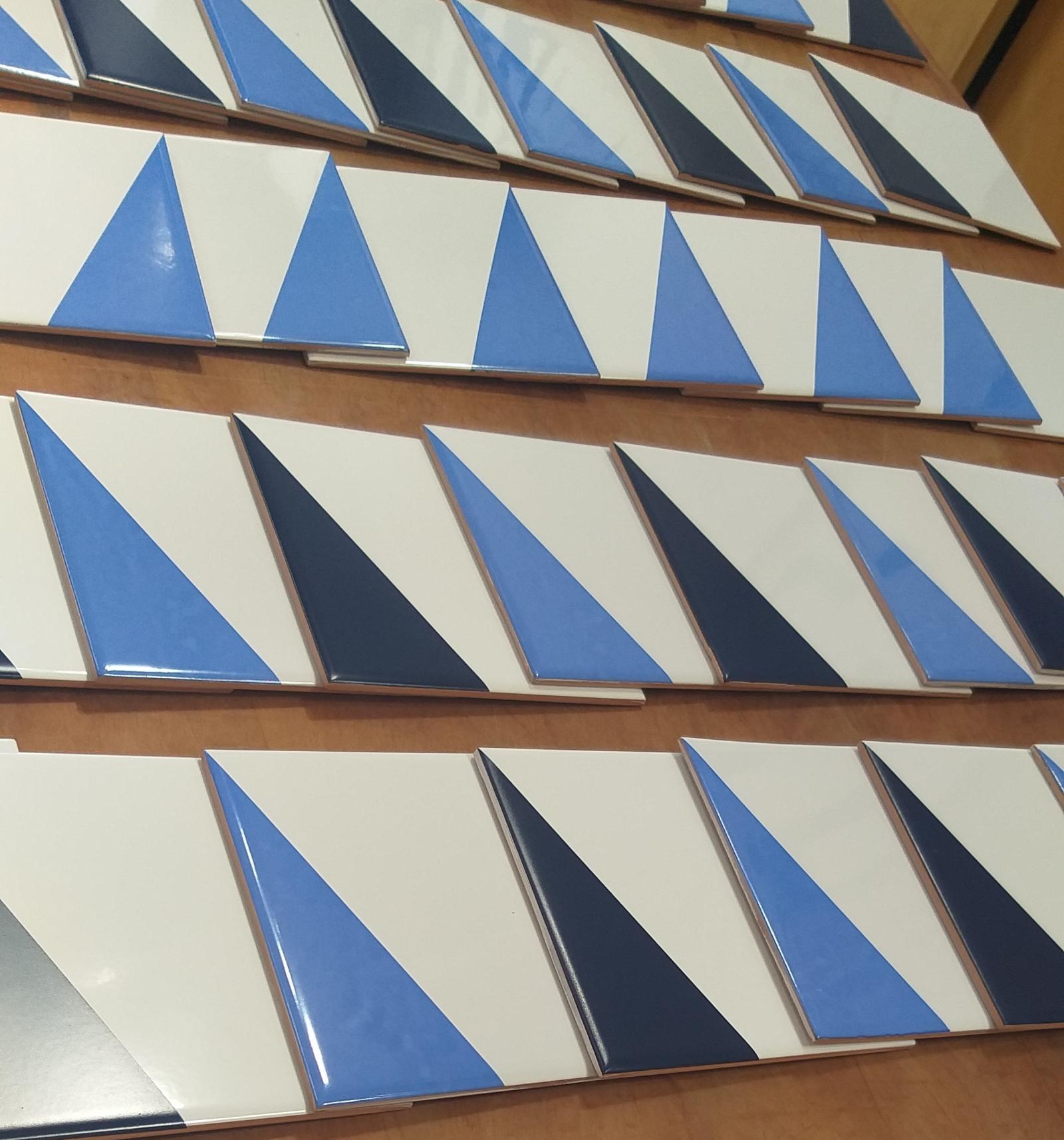 Azulejos GEO em tons de azul